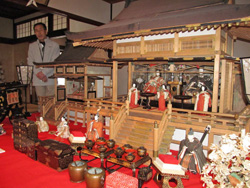 Goten-kazari Hina dolls displayed in Omi merchants' residences (Tonomura Uhei residence, Higashiomi City, Shiga Prefecture)