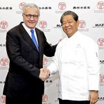 Photo= Executive producer Murata (right) and Alain Ducasse, who will participate in the show