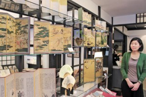 "Photo= The renovated section for art replicas in ""Bijutsu-hagaki Gallery Kyoto Benrido"" (Nakagyo Ward, Kyoto)"