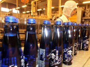 Photo= Takara Shuzo Co., Ltd. has decided to increase production of sparkling refined sake following market expansion (Takara Shuzo Matsudo Factory, Matsudo City, Chiba Prefecture)