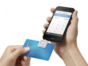 Photo= Square's special card reader for credit card payment service (center square portion). When a card is inserted, data, such as the card number, is read when a card is inserted.