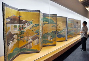 Photo= A folding screen depicting scenes from the Tale of Genji (The Tale of Genji Museum, Uji, Uji City, Kyoto Prefecture)