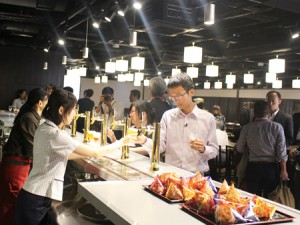 Photo= Kizakura's newly opened Fushimigura. It is equipped for tours of the facility to see the brewing process and has a restaurant where visitors can taste freshly brewed sake (Fushimi Ward, Kyoto)