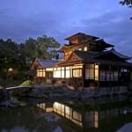 Photo= Hiunkaku Pavilion lit up in the test illumination (Shimogyo Ward, Kyoto) = Jodo Shinshu Hongwanji-Ha sect
