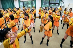 """Photo= The brass band of Kyoto Tachibana High School, which will participate in the """"Rose Parade,"""" a popular American event (Kyoto Tachibana High School, Fushimi Ward, Kyoto)"""