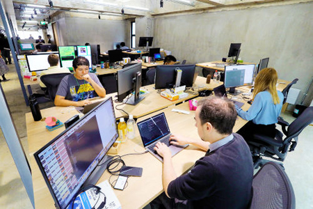 "Photo= ""LINE KYOTO"" office, where foreign staff exceed Japanese (June 13, Shimogyo Ward, Kyoto)"