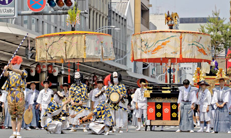 Photo= Ayagasa Hoko float which will be the first to be exhibited in the United States (July 17, Shimogyo Ward, Kyoto)