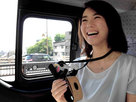 "Photo= Image of ""Kyoto Robotic Guided Tour,"" in which RoBoHon serves as a tour guide around sightseeing spots in Kyoto."