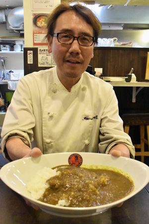 Haruhiko Akada, president of Akadaya, has developed Japanese style halal-compliant curry and rice (Nakagyo Ward, Kyoto)