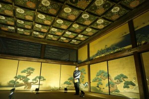 Sliding door murals and the ceiling painting in the third room of Kuro-Shoin (Nijo-jo Castle, Nakagyo Ward, Kyoto)
